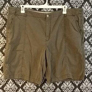 Tommy Bahama Shorts sz 44 green cargo N